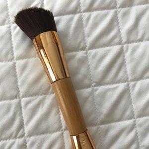 TARTE the slender Bambi contouring brush
